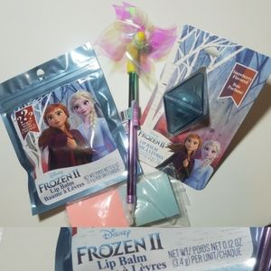 Disney Frozen II Lip Balm Bundle